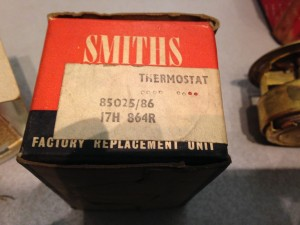 Smiths 85025 86 winter thermostat in red & black box