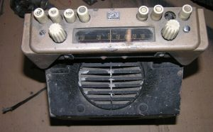 radiomobile-rm-100-grey-receiver-front